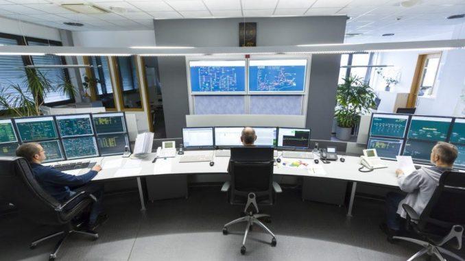 Jederzeit ist die Verbundleitstelle der ED Netze in Rheinfelden besetzt. (Foto: ED Netze/Juri Junkov)